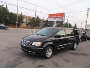 2012 Chrysler Town & Country TOURING, Navigation, Backup Cam, Re