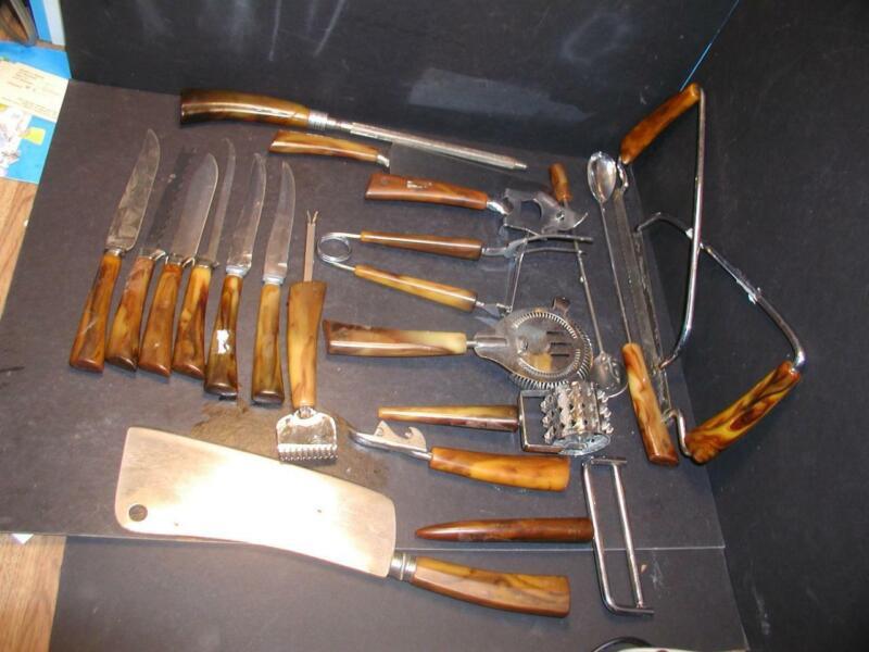 VTG 20 pc. lot of brown marbled bakelite handled bar/cutlery/flatware utensils