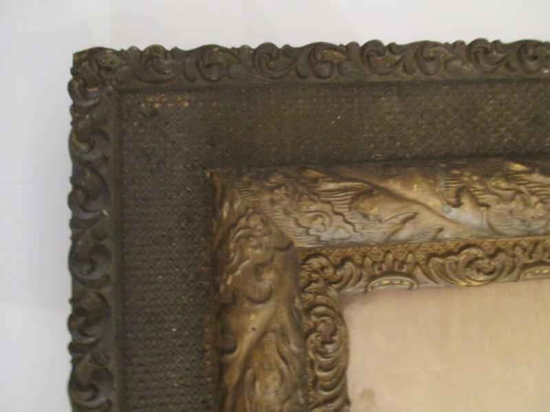 """Beautifully Detailed Antique 16"""" x 20"""" Giltwood Artwork/Picture Frame"""