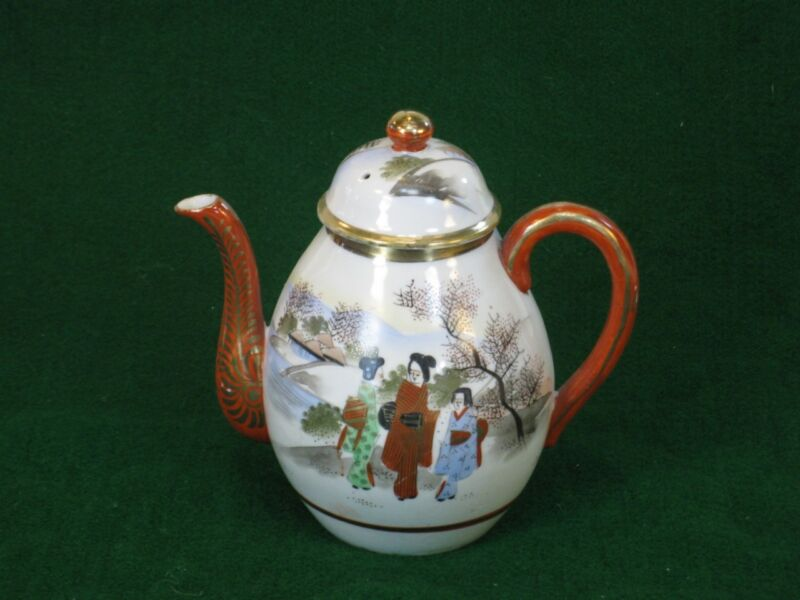 JAPANESE SATSUMA or KUTANI TEA POT. Signed. Geisha Girl Porcelain
