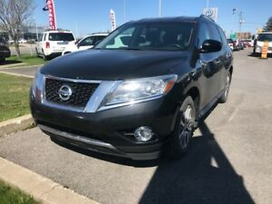 2013 Nissan Pathfinder S 3.5L Winter tires included
