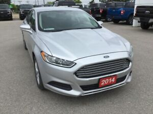 2014 Ford Fusion SE | Accident Free | Heated Power Mirrors