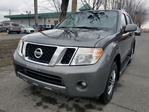 2009 Nissan Pathfinder SE -V6 4X4- AUTOMATIQUE- TOIT- HITCH- MAR