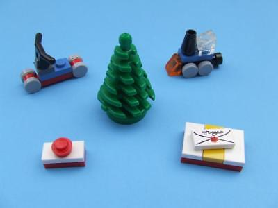 * New * Lego City Christmas Tree with Train / Scooter / Presents ( Fun Set )