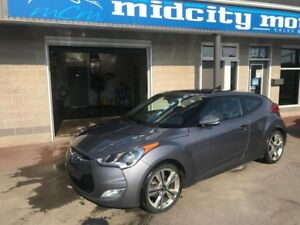 2017 Hyundai Veloster Tech, Nav, Sunroof push button start heate