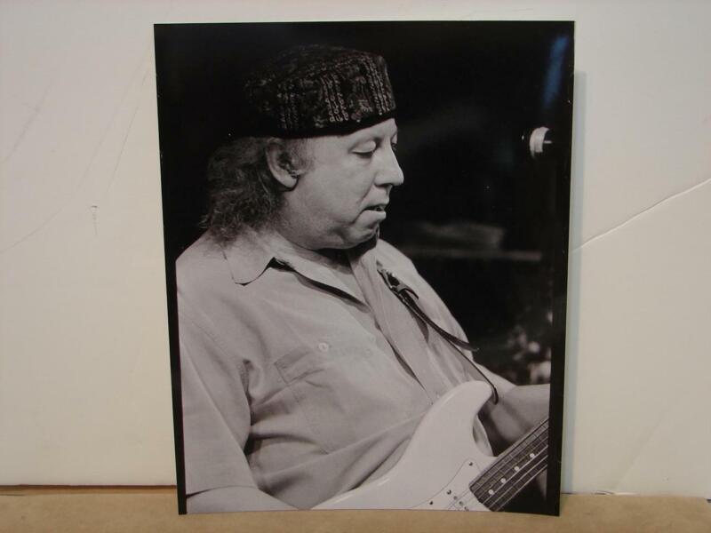 Vintage Peter Green 8x10 B&W Concert Photo Fleetwood Mac Guitarist Blues Rock
