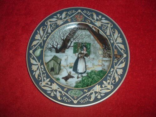 "HEINRICH /VILLEROY & BOCH ""Fortunata & the Hen,"" NEW, Mint, w/Orig Box"