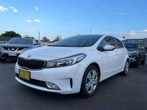 2017 Kia Cerato YD MY17 S White 6 Speed Sports Automatic Hatchback Tweed Heads South Tweed Heads Area Preview