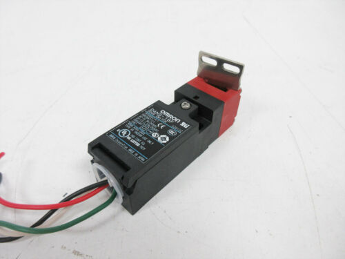 OMRON D4NS-1BF DOOR SWITCH WITH D4DS-K1 HORIZONTAL MOUNTING INTERLOCK KEY
