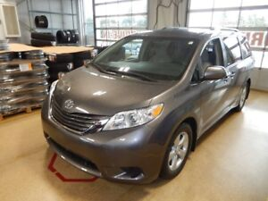 2017 Toyota Sienna LE Whole family mover!