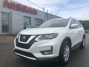 2018 Nissan Rogue SV MoonRoof, Heated Seats, Remote Start!!!