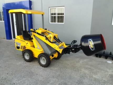 New Ozziquip Puma Loader with Fencers GOLD COAST