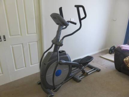 Infiniti E55i Elliptical Cross Trainer
