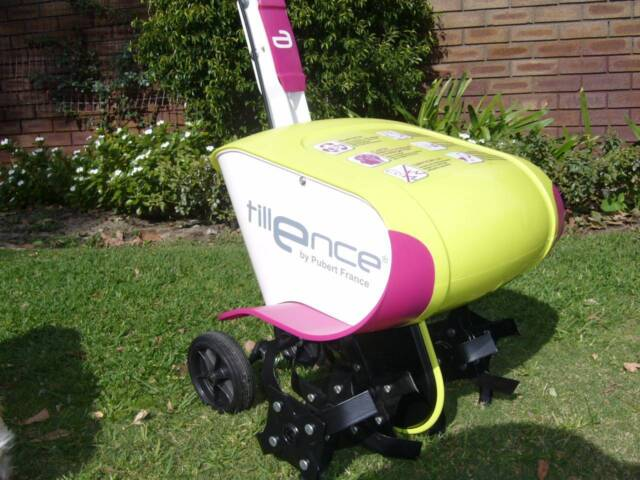 Lightly used electric tiller rotary hoe other garden for Gardening tools gumtree