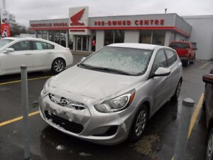 2014 Hyundai Accent $43.68WEEKLY! LOW KM'S! HEATED SEATS! BLUET
