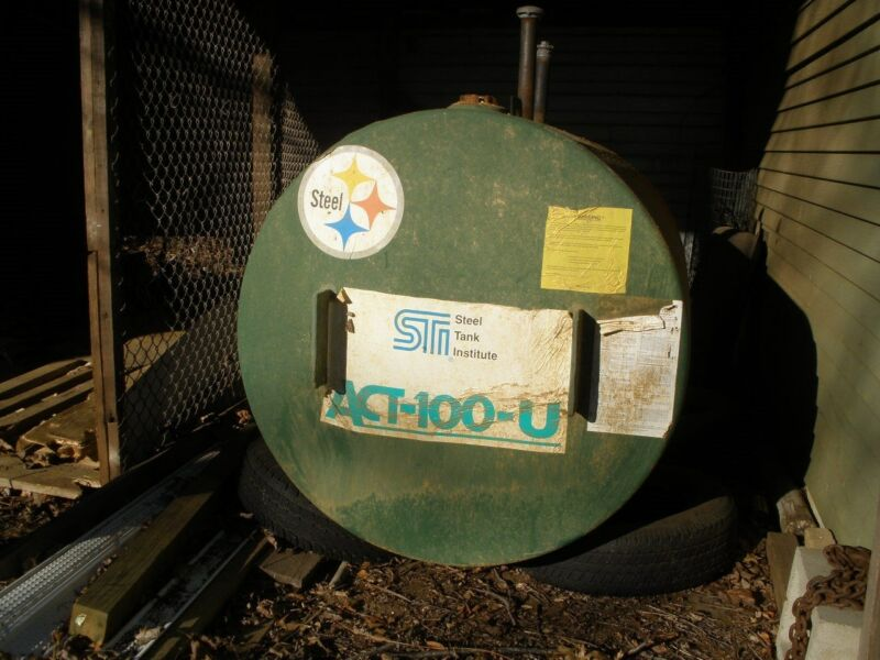 500 gallon double-walled steel oil tank, used Highland Tank