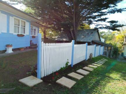LAWSON'S BLUE & WHITE HOLIDAY HOUSE - HAHNDORF