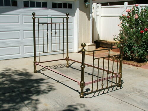 """Full-Size Brass Bed """"GET THE BEST AND FORGET THE REST""""          ANTIQUE"""