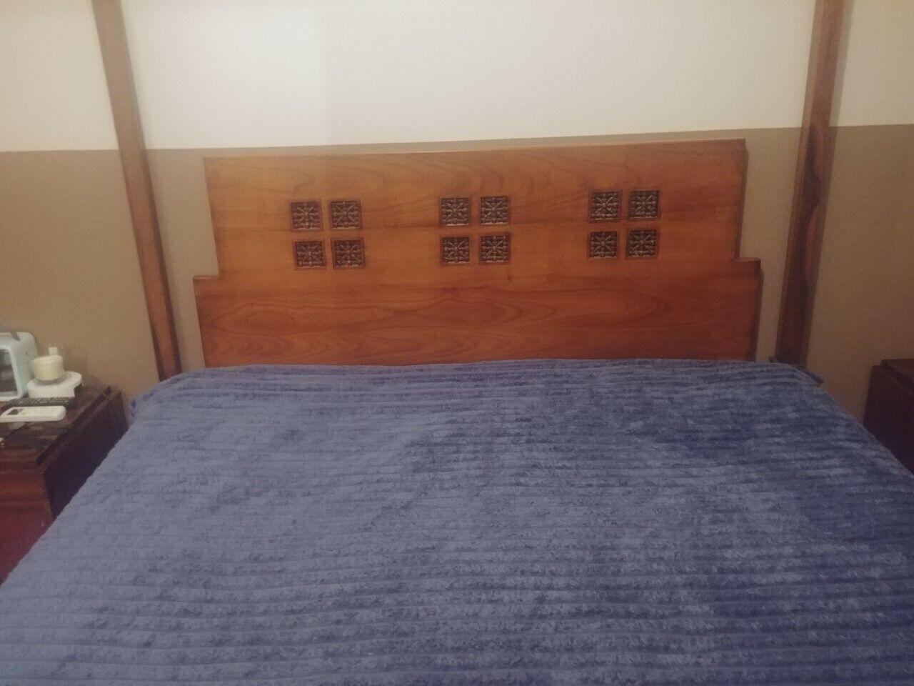 Cadre de lit médina roche bobois avec baldaquin 160*200 + 2 chevets + literie