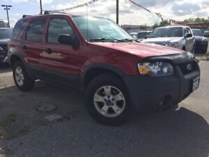 2005 Ford Escape XLT, Accident Free, Certified, Warranty