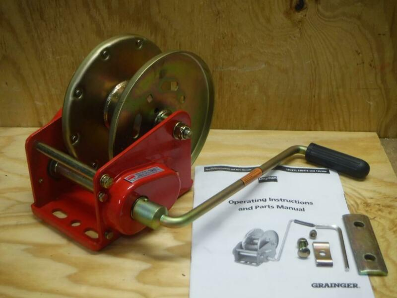 New DAYTON 12U373 Manual Hand Winch 3500lb Spur Gear with Brake FAST SHIPPING
