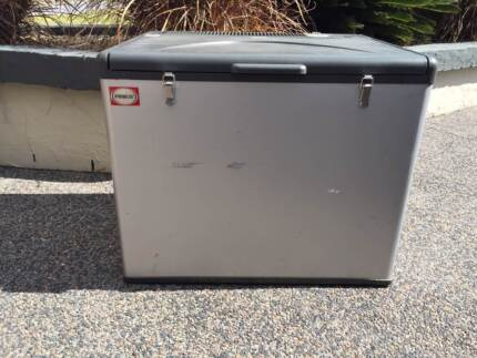 Primus 50L Portable Fridge GAS / 240v Rutherford Maitland Area Preview
