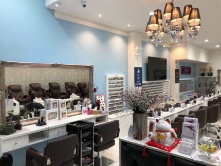 Share places at Beauty Shop