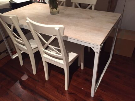 OzDesign wooden rustic dining table Paddington Eastern Suburbs Preview