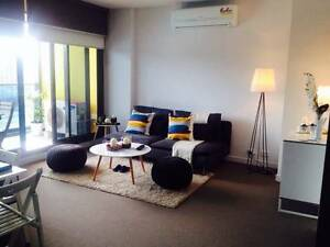 CLEAN & QUIET GIRL for ROOMSHARE IN CBD - All Bills included Docklands Melbourne City Preview