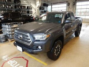 2016 Toyota Tacoma 4x4 TRD Off road package One owner in like ne