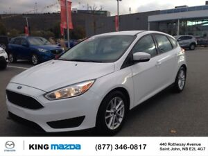 2016 Ford Focus SE HATCHBACK..AUTO...AC...HEATED SEATS & STEERIN
