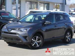 2018 Toyota RAV4 LE REDUCED | AWD | HEATED SEATS | BACK UP CAM