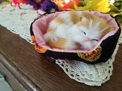 X-small Kitty Cat in Soft Basket Sleeping Realistic Orange & White Christmas