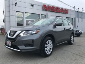 2017 Nissan Rogue S AWD    $190 BI WEEKLY AWD SUV with lots of f