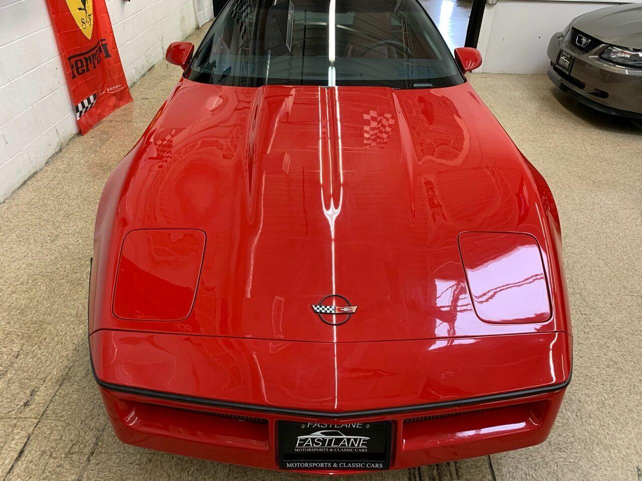 1986 Red Chevrolet Corvette   | C4 Corvette Photo 4