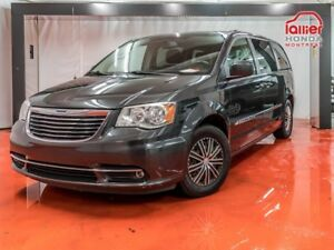 2011 Chrysler Town & Country Touring, OPDYSSEY, SIENNA DISPONIBL