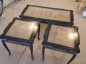 A set of coffee table for sale