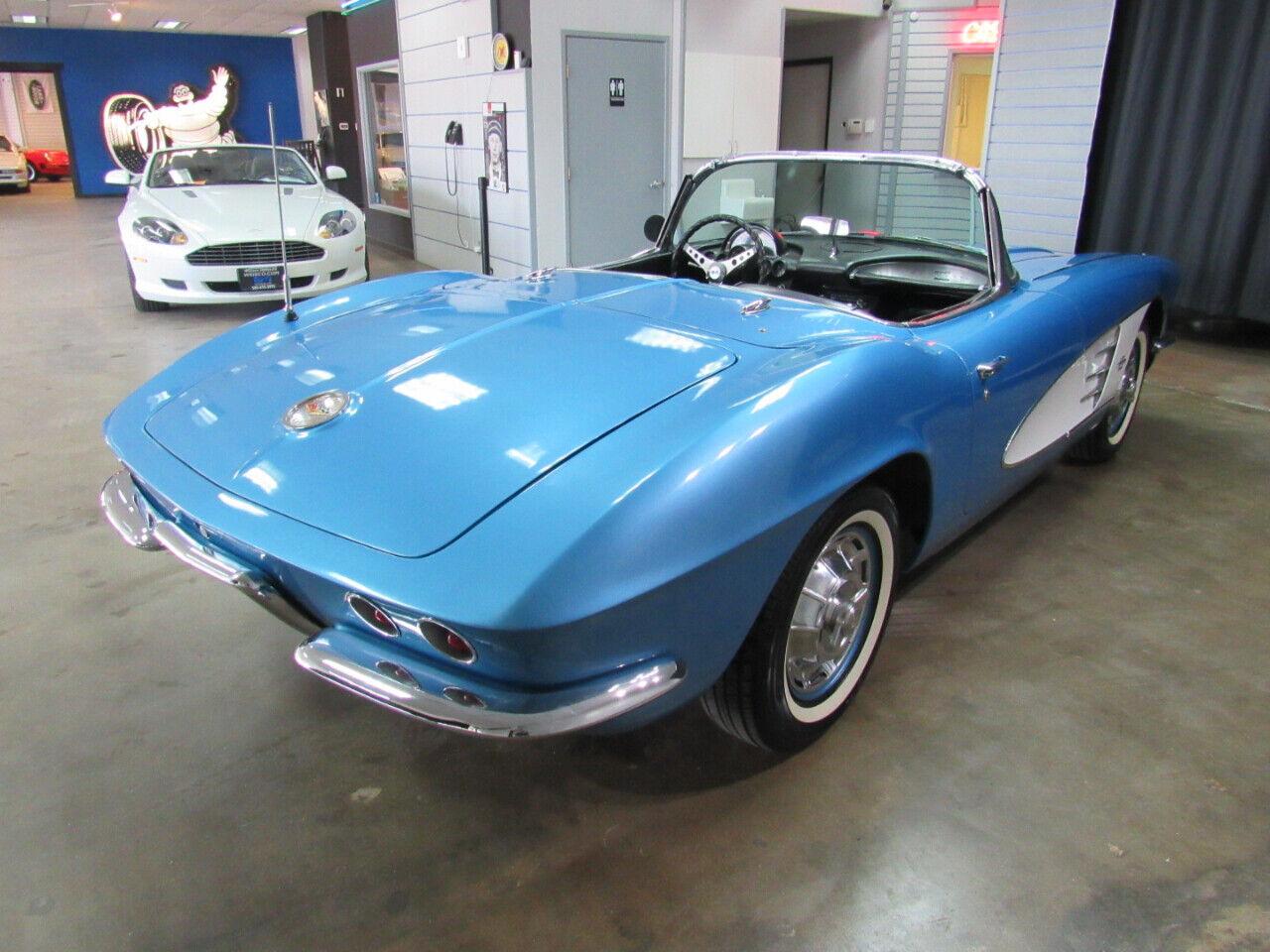 1961 Blue Chevrolet Corvette   | C1 Corvette Photo 6