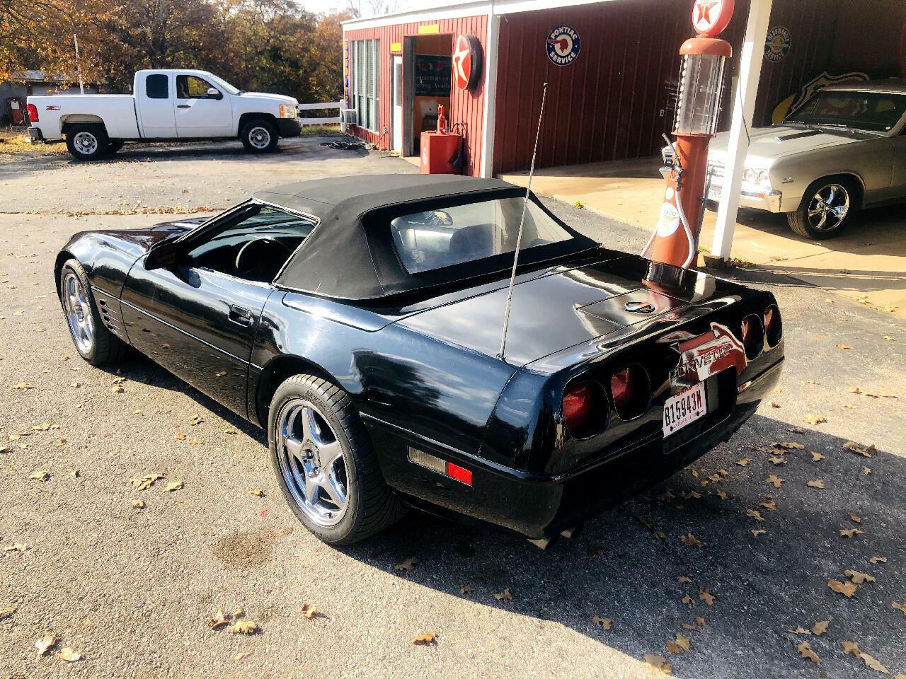 1991 Black Chevrolet Corvette Convertible  | C4 Corvette Photo 3