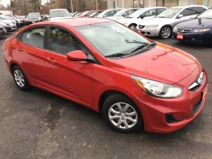 2012 Hyundai Accent Auto / Power Group / Loaded / Like New!
