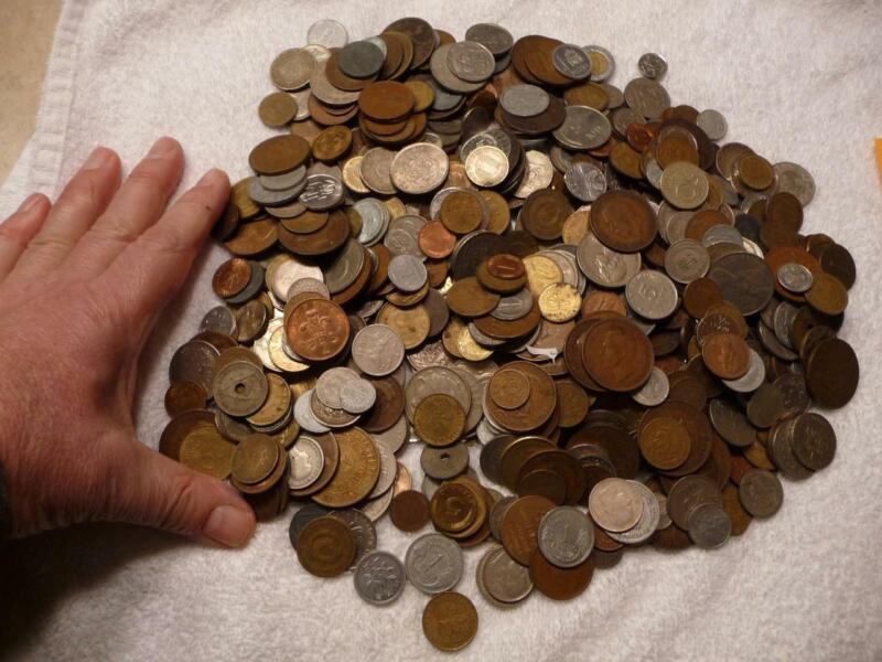6 lbs World Coin Approxs 600+ Coins Circulated Condition SKU#18843