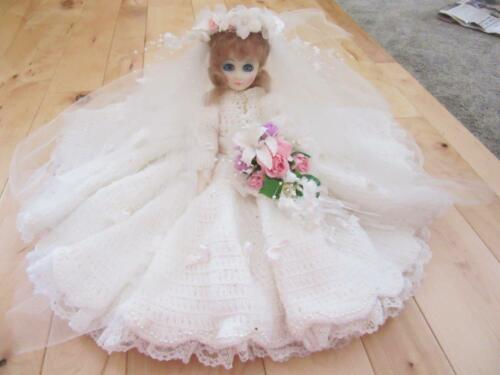 HAND CROCHETED CROCHET BRIDE DRESS VEIL MUCH HANDWORK DOLL PEARLS LACE RIBBONS