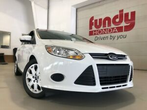 2014 Ford Focus SE w/heated front seats NO ACCIDENT