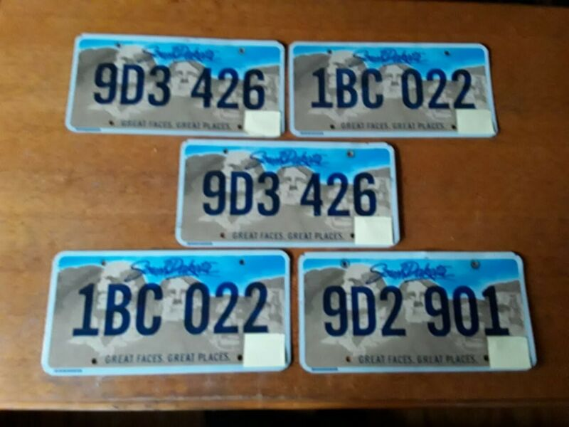 """LOT OF 5 SOUTH DAKOTA LICENSE PLATE - """"Great Faces. Great Places"""" - VERY GOOD CN"""