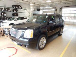 2012 GMC Yukon SLT w/1SD Fully loaded