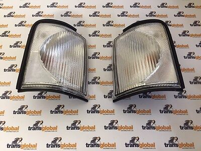 Clear Front Indicator Lamps x2 for Land Rover Discovery 2 TD5 / V8 - Bearmach