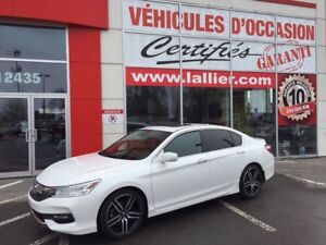 2017 Honda Accord Touring ** BLUETOOTH ** TOIT OUVRANT ** BAS KI