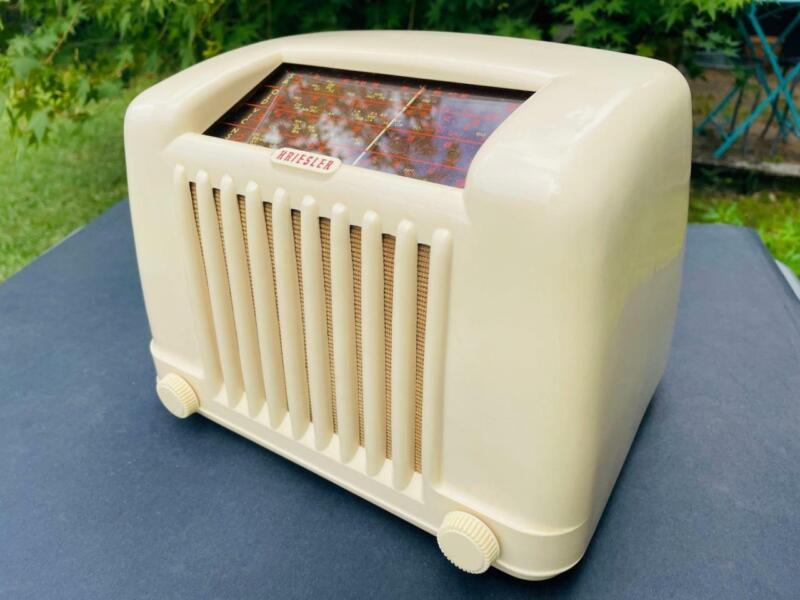 **SUPERB** art deco 1952 KRIESLER vintage BAKELITE valve radio