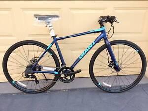 Giant Flatbar Bike Shimano 24speed Mechanic Disc Blue Dingley Village Kingston Area Preview