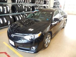 2014 Toyota Camry SE Like new low kms